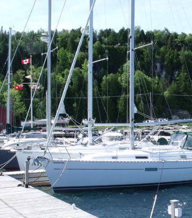 Sailboat Beneteau Oceanis 361 · 2001 (3)