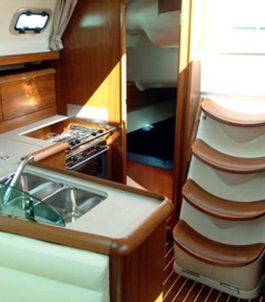 Sailboat Jeanneau Sun Odyssey 37 · 2001 (3)