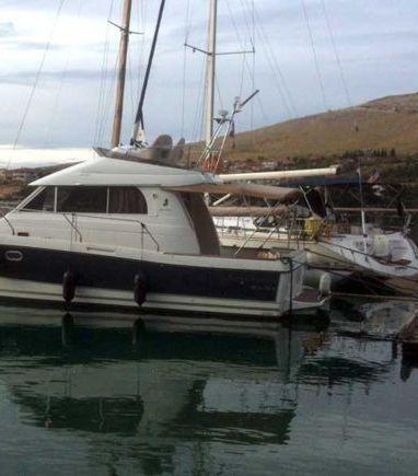 Barco a motor Beneteau Antares 10.80 (2008) (3)
