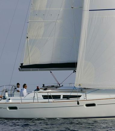 Sailboat Jeanneau Sun Odyssey 39 i · 2010 (3)