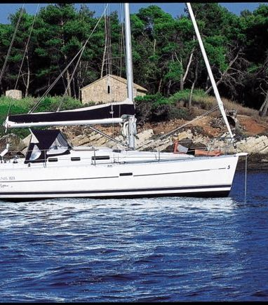 Velero Beneteau Oceanis 323 · 2006 (reacondicionamiento 2016) (3)