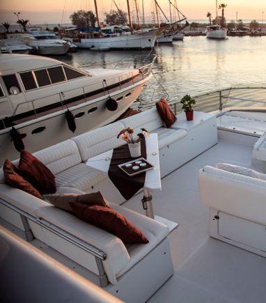 Motorboat Ferretti 58 · 1991 (3)