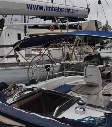 Sailboat Bavaria Cruiser 37 · 2006 (3)