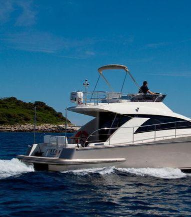 Barco a motor cyrus 13.8 Flybridge - 2012 (reacondicionamiento 2018) (3)