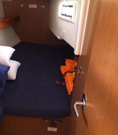 Sailboat Bavaria Cruiser 33 · 2013 (3)