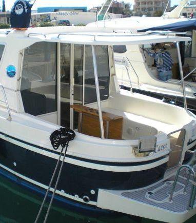 Barco a motor Sas Vektor Adria 1002 · 2012 (3)