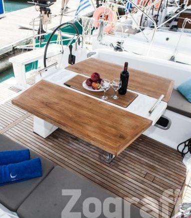 Sailboat Beneteau Oceanis 38 · 2015 (3)