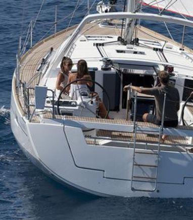 Sailboat Beneteau Oceanis 45 · 2015 (3)