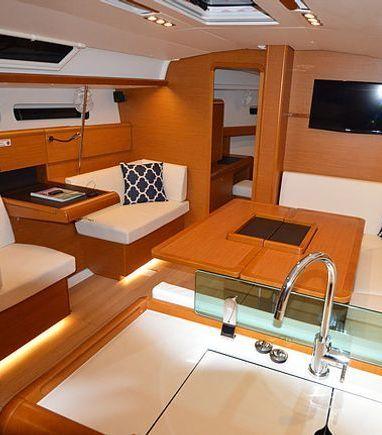 Sailboat Jeanneau Sun Odyssey 440 · 2016 (3)