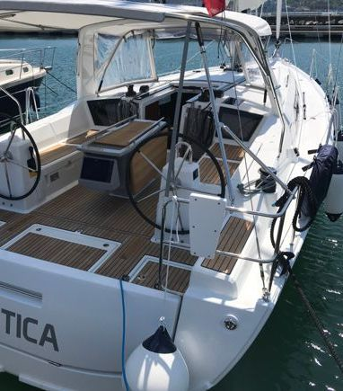 Sailboat Beneteau Oceanis 41.1 · 2020 (3)