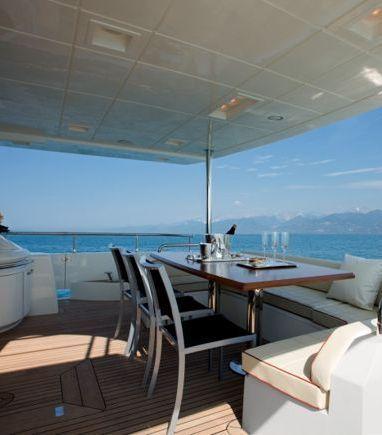 Motorboat Azimut 77 · 2013 (refit 2019) (3)