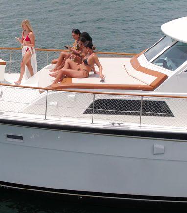 Motorboat Hatteras 75 · 2000 (refit 2020) (3)