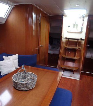 Velero Beneteau Oceanis 40 · 2011 (reacondicionamiento 2016) (3)