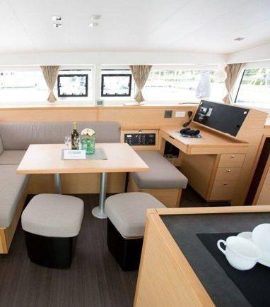 Catamaran Lagoon 400 S2 · 2015 (refit 2020) (3)