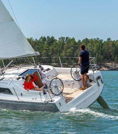 Sailboat Beneteau Oceanis 30.1 · 2021 (3)