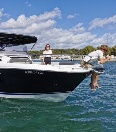 Motorboat Jeanneau Cap Camarat 9.0 WA · 2017 (refit 2020) (3)