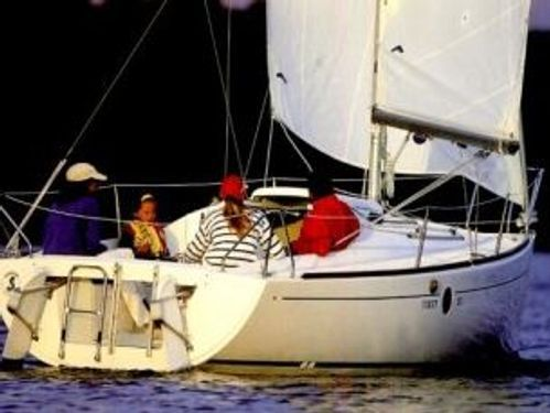 Sailboat Beneteau First 211 · 2007