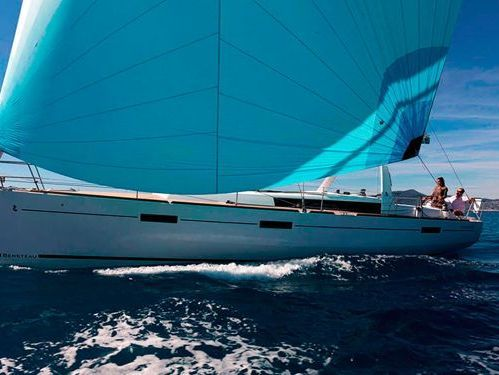 Sailboat Beneteau Oceanis 45 · 2013