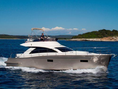 Imbarcazione a motore cyrus 13.8 Flybridge · 2012