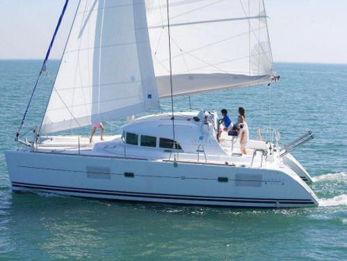 Catamarano Lagoon 380 (2004)