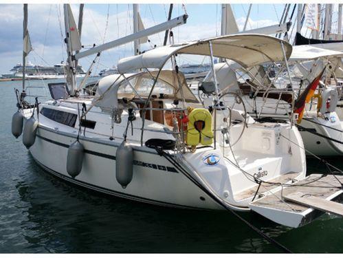 Sailboat Bavaria Cruiser 33 · 2013