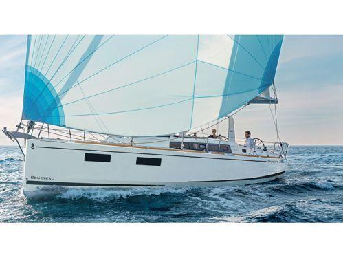 Sailboat Beneteau Oceanis 38.1 · 2017