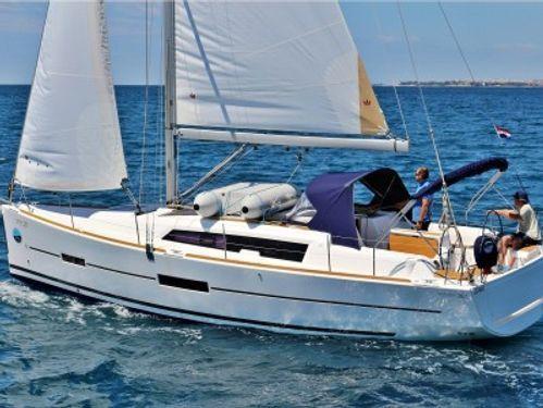 Zeilboot Dufour 382 · 2015