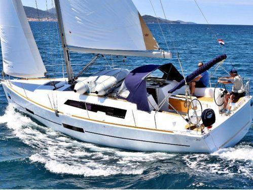Barca a vela Dufour 382 (2015)