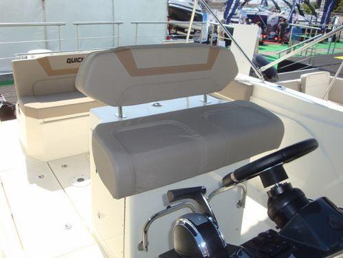 Sportboot Quicksilver Activ 805 Open · 2015