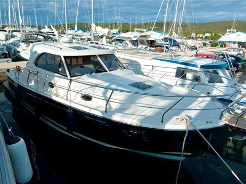 Imbarcazione a motore Sas Vektor Adriana 36 (2011)