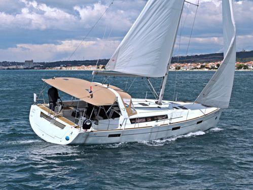 Velero Beneteau Oceanis 45 · 2012