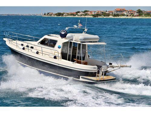 Barco a motor Sas Vektor Adria 1002 V · 2014