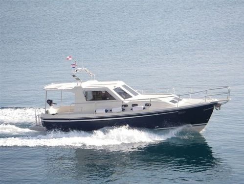 Barco a motor Sas Vektor Adria 1002 · 2012
