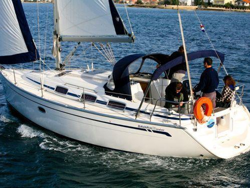 Sailboat Bavaria Cruiser 33 · 2006