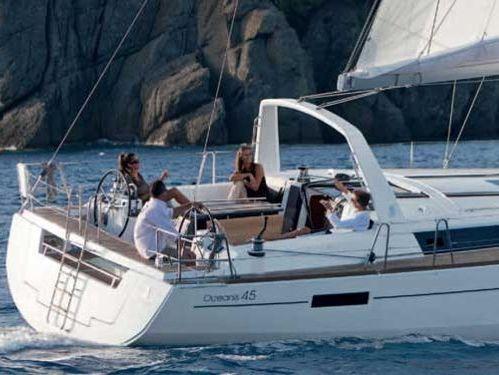 Barca a vela Beneteau Oceanis 45 · 2015