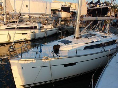 Sailboat Bavaria Cruiser 37 · 2014