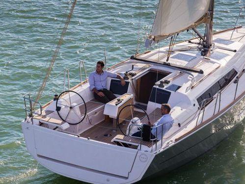 Barca a vela Dufour 382 GL · 2016