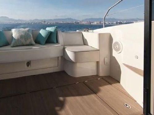 Motorboat Beneteau Monte Carlo 4 · 2017