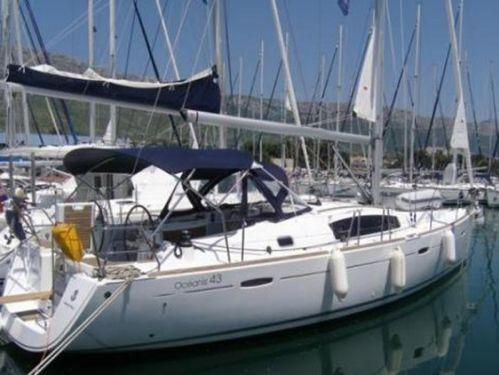Sailboat Beneteau Oceanis 43 · 2008