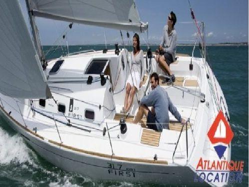 Barca a vela Beneteau First 31.7 · 2006