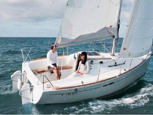Sailboat Beneteau First 25 S · 2016