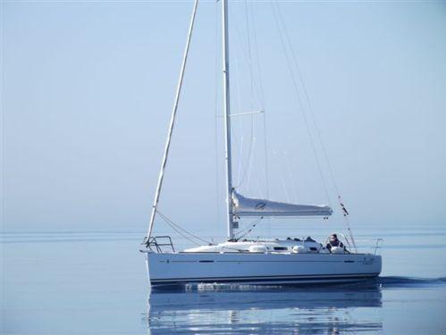 Sailboat Beneteau First 35 (2012)