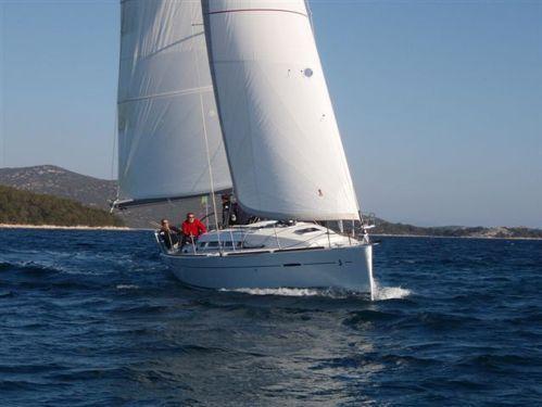 Sailboat Beneteau First 35 · 2012