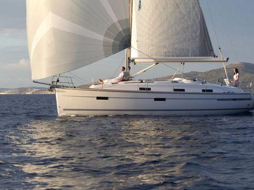 Sailboat Bavaria Cruiser 36 · 2012