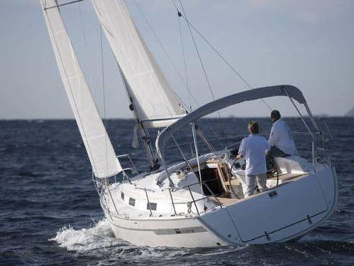 Velero Bavaria Cruiser 32 · 2011