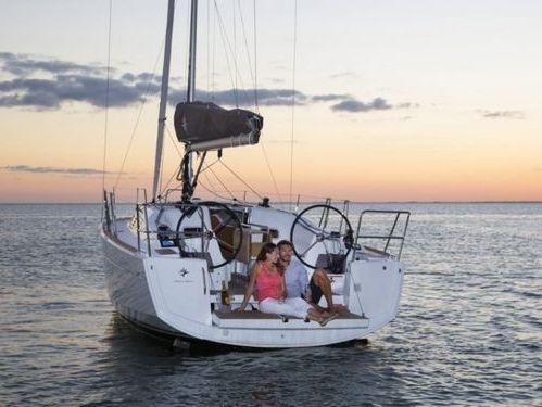 Barca a vela Jeanneau Sun Odyssey 349 · 2016