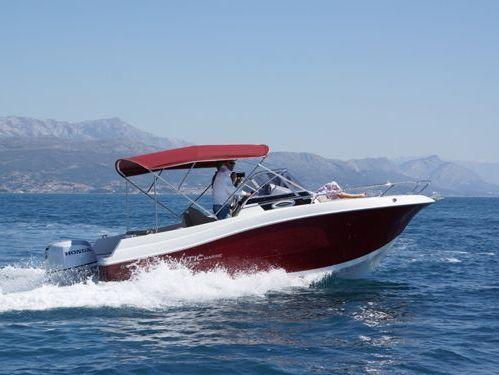 Imbarcazione a motore Atlantic Marine 655 Sun Cruiser · 2016