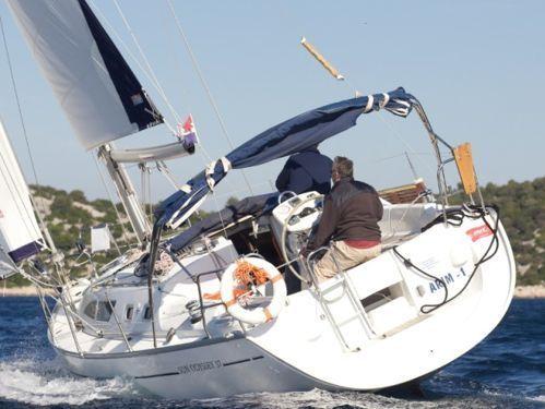 Sailboat Jeanneau Sun Odyssey 37 · 2002