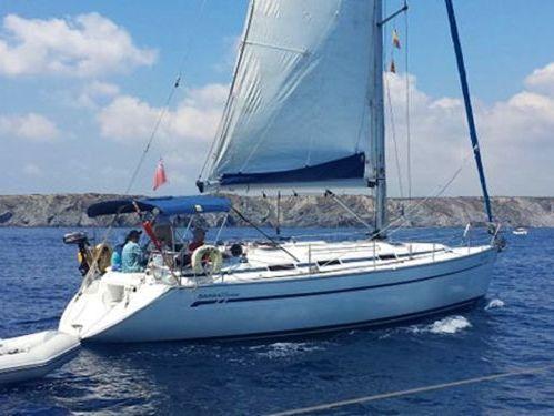 Sailboat Bavaria 36 · 2002