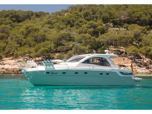 Motorboat Bavaria Sport 43 HT · 2012